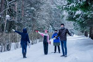 Корпоративный выезд зимой: шесть активных игр, которые не дадут замерзнуть